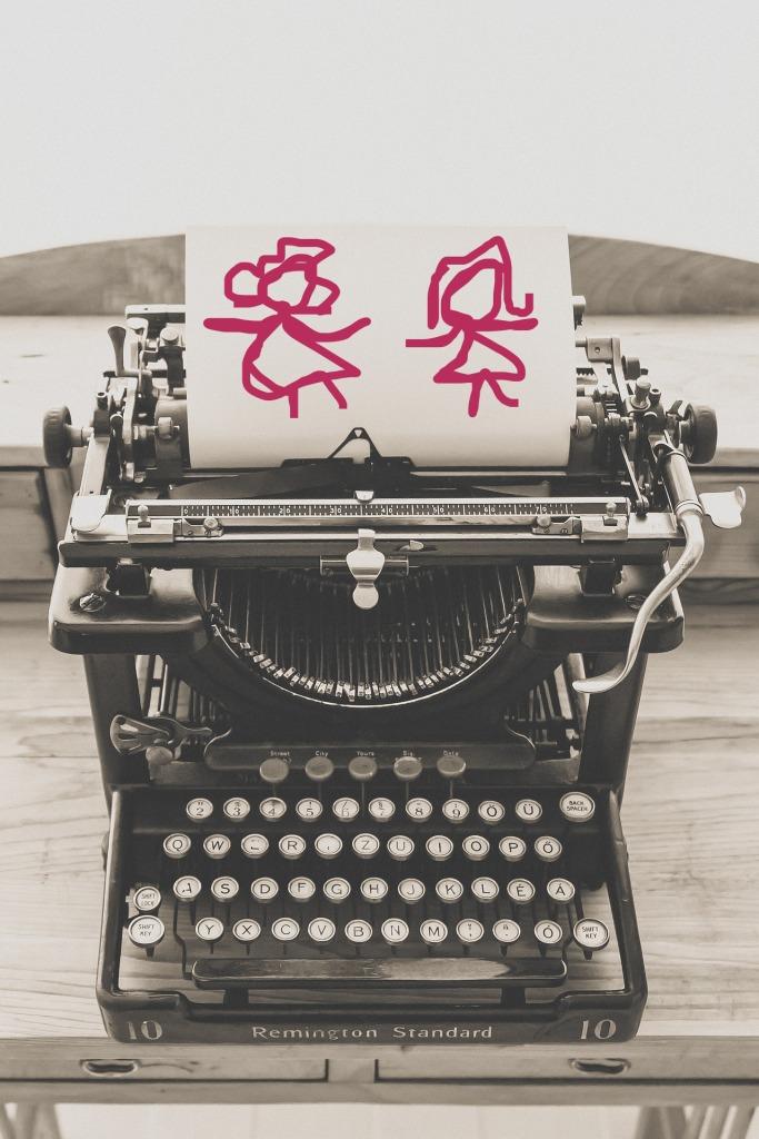 typewriter-1248089_1920